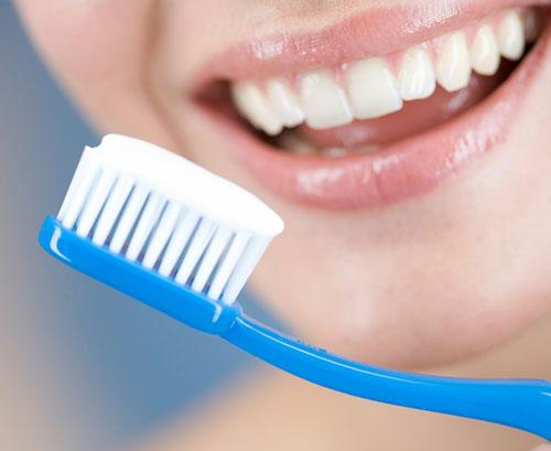Chải răng – hàm răng sáng bóng
