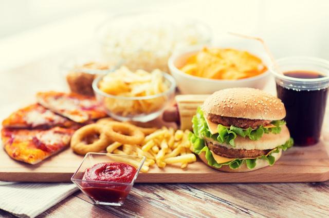 Khẩu phần ăn chưa đa dạng, cách chế biến chưa hợp lý, khả năng hấp thụ kém… là một số nguyên nhân gây thiếu hụt vi chất dinh dưỡng.