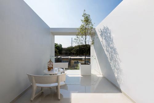 23_terrace-1469985223-width500height334
